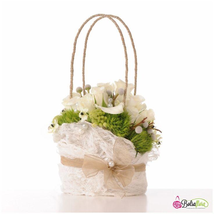 Bridal flower purse bouquet created with Bolsa Flora III.