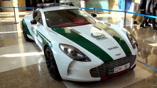 Aston Martin One 77 Lamborghini Aventador Dubai Police We Ve Picked Two Cars From Dubai S Supercars Fleet The One 77 For I Police Cars Police Aston Martin