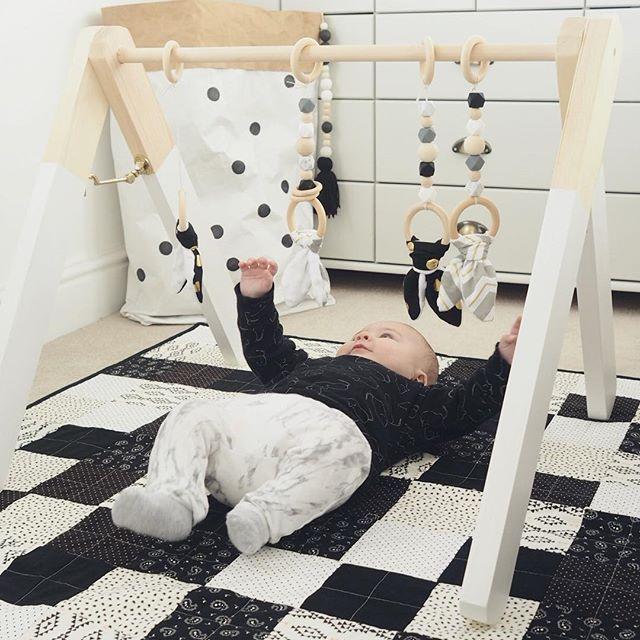 die besten 25 baby spielbogen holz ideen auf pinterest babygym spielebogen holz und. Black Bedroom Furniture Sets. Home Design Ideas