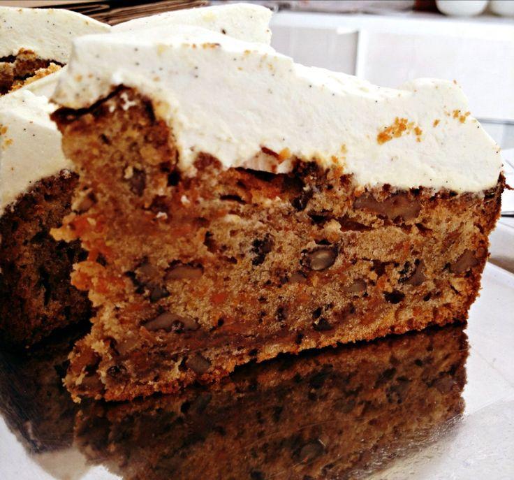 Wie kan een deze worteltaart (ook wel carrot cake) nu weerstaan? Verwarm de oven voor op…