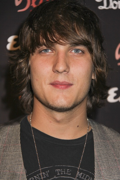 Scott Michael Foster (total fictional character crush on Cappie!)