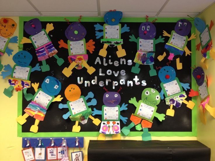 Display based on the book 'Aliens Love Underpants!'