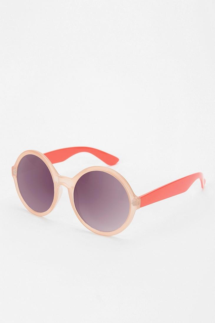 uo spotlight sunglasses are cute: Sunglasses 16 00, Vintage Colors, Sunglasses Urbanoutfitt, Spotlight Sunglasses, Round Glass, Sunglasses Darling, Eye