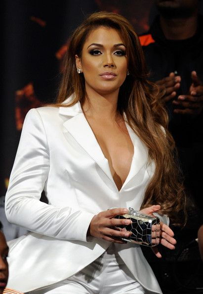Rapper Nelly and Floyd Mayweather's ex-girlfriend, Shantel Jackson will be shooting a reality TV show through BET. Description from mstarz.com. I searched for this on bing.com/images