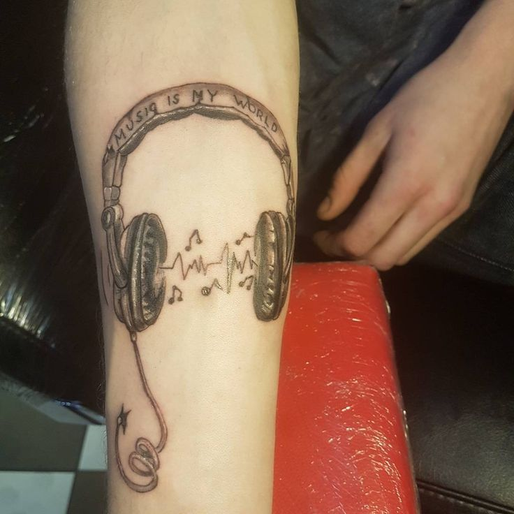 Tattoo Ideas Under 100: Best 25+ Headphones Tattoo Ideas On Pinterest