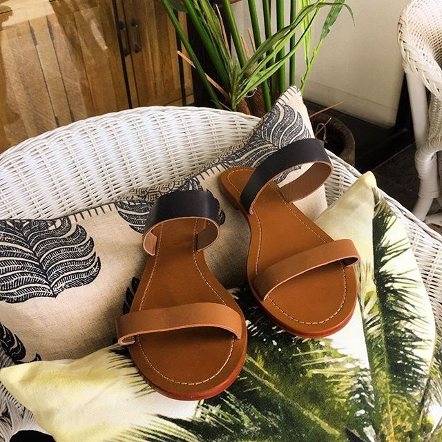 Tropical living   Available online at jamjam.com.au and select stockists throughout Australia and New Zealand #jamjam #sandals #womensshoes #fashiondiaries #todaysoutfit #fashionpost #wiw #shoes #thongs #womensfashion #womensstyle #everydaystyle #brisbane #brisbanefashion