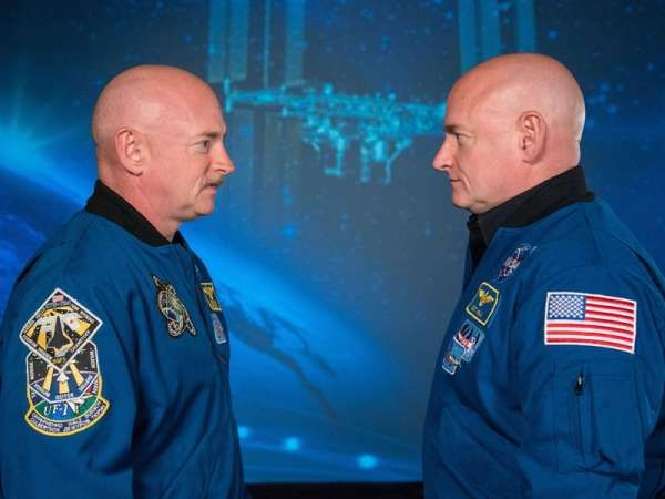 ASTRONAUT TWINS SCOTT AND MARK KELLY LEND THEIR BODIES TO SCIENCE A UNIQUE STUDY WILL MEASURE HOW THE HUMAN BODY REACTS TO A YEAR IN SPACE By Sarah Witman 3/27/15  Popular Science