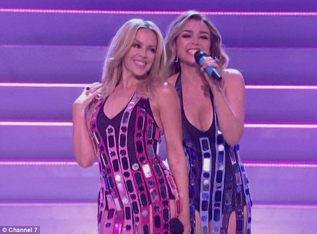 Kylie & Dannii Minogue perform together on TV for first time in 30yrs #dailymail