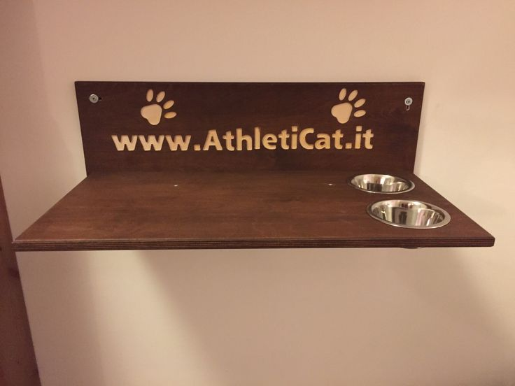 Handmade and made in Italy shelf with bowls for cats