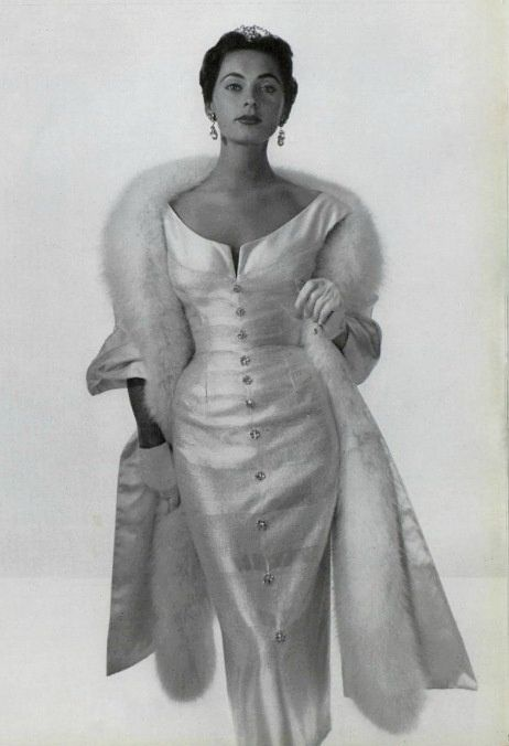 Maggie Rouff, 1953