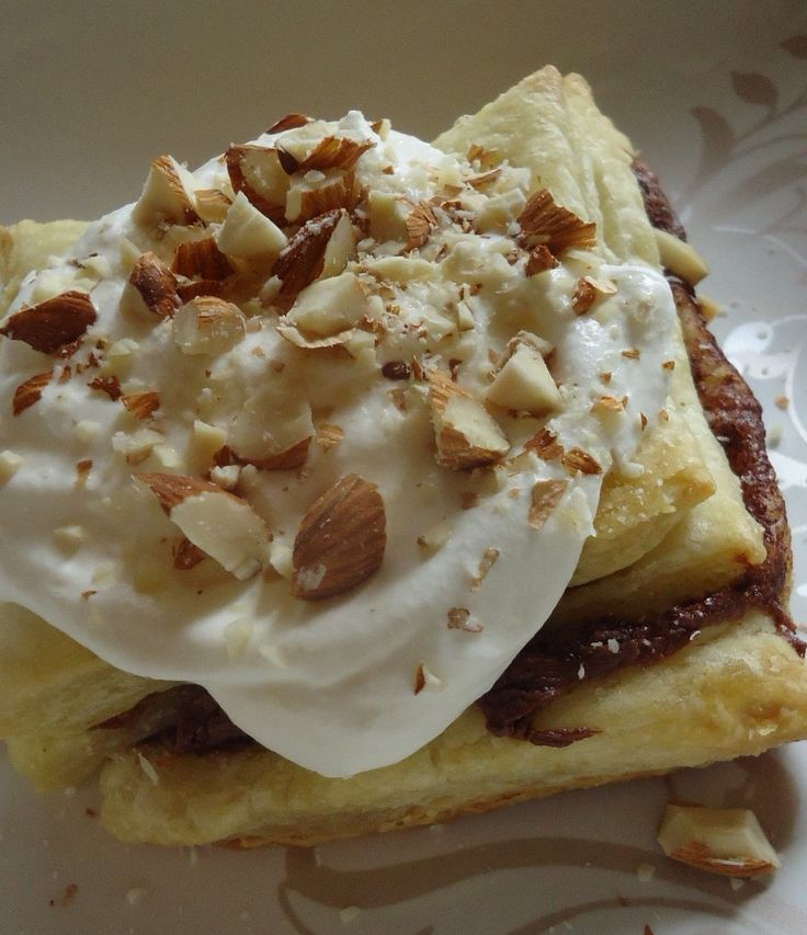Puff pastry with Hershey's chocolate almond spread, banana ...
