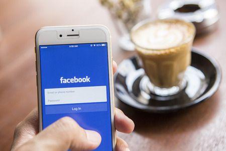Verwenden Sie Ihr Facebook-Konto mit den Standardeinstellungen, die das soziale Netzwerk bei der Einrichtung vorgibt, bieten Sie Hackern einen gefährlichen Angriffspunkt. Wie Sie Ihren Zugang zum sozialen Netzwerk sicher machen und sich so vor Identitätsdiebstahl schützen, zeige ich Ihnen in diesem Beitrag.