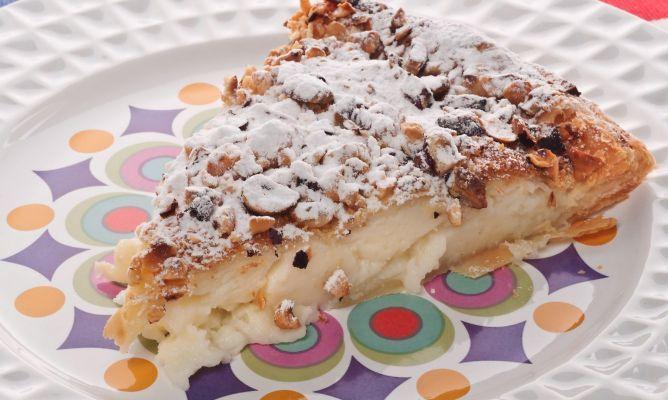 Bruno Oteiza nos acerca un delicioso postre típico del País vasco: Pantxineta. La pantxineta es un hojaldre relleno de crema pastelera.