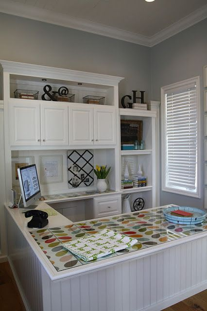 I love the combination of storage space and work space in this compact but inviting home office -- i lived on wisteria lane: organization