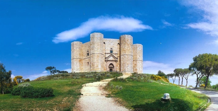 Castel Del Monte (Andria) - A unique medieval architectural masterpiece.
