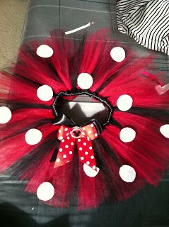 ~Minnie Mouse Tutu ~       So this is a very easy DIY tutu tutorial ! Perfect for Birthdays, dress up, or even a trip to Disney !     What ...
