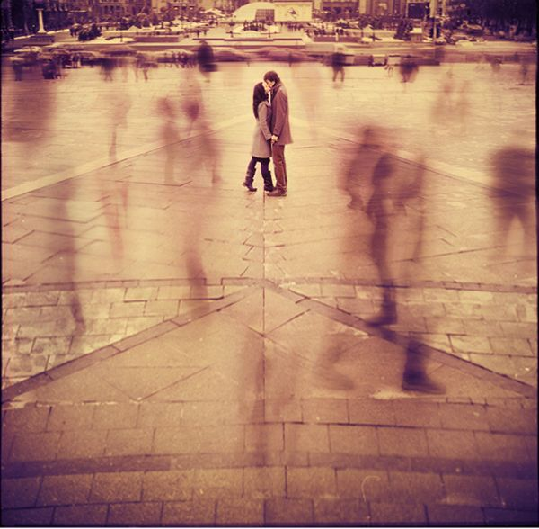 slow shutter shotEngagement Pictures, Photos Ideas, Engagement Photos, Film Photography, Oleg Oprisco, Photography Couples, First Kisses, People, Couples Shots