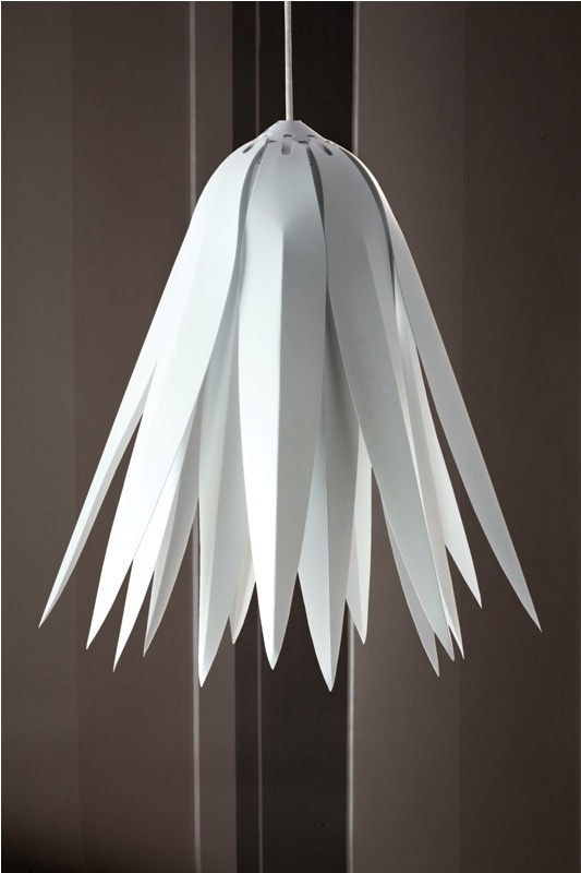 Yorke Design's beautifully balanced and eye-catching hanging snow light shade will brighten up your home no end.     Made from recycled polypropylene in the UK, Snow is designed for use with energy saving light bulbs, and are 100% recyclable.    The inspiration for this contemporary lamp shade has come from the snowdrop flower.