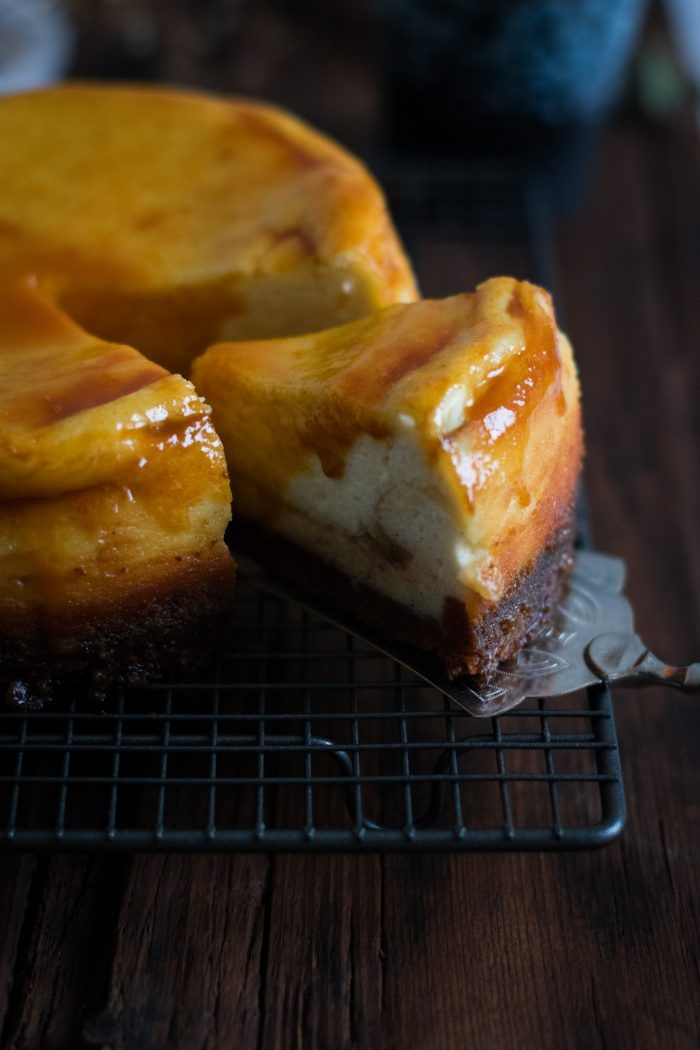 Apple, Caramel & Goat Cheese Cheesecake | Cheesecake au Chèvre Frais, Pommes et Sauce Caramel | In The Mood For Food