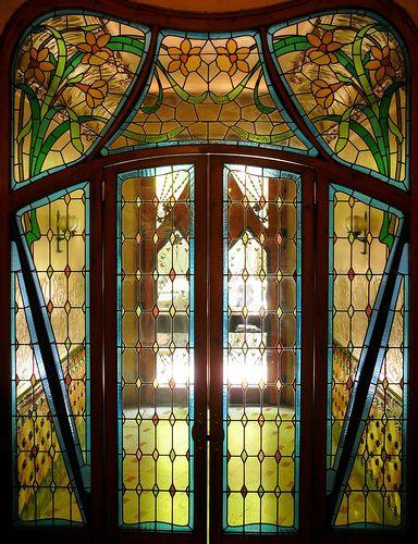 Modernista door stained glass- Bailèn 126 m. Barcelona, Catalonia | Europe. Jugendstil, Art Nouveau, Modernismo.