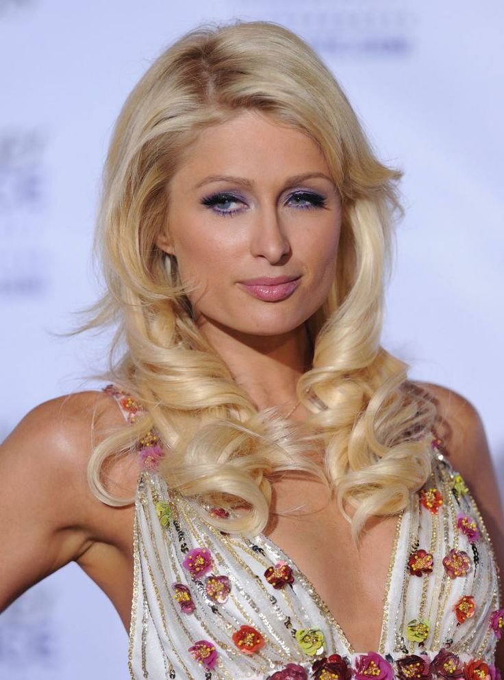 Paris Hilton Apunka Photos