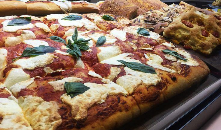 Ricas pizzas en restaurante italiano en New York. Cherrytomate