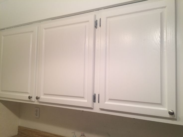 Valspar Bistro White In Enamel Cabinet Finish. Brushed