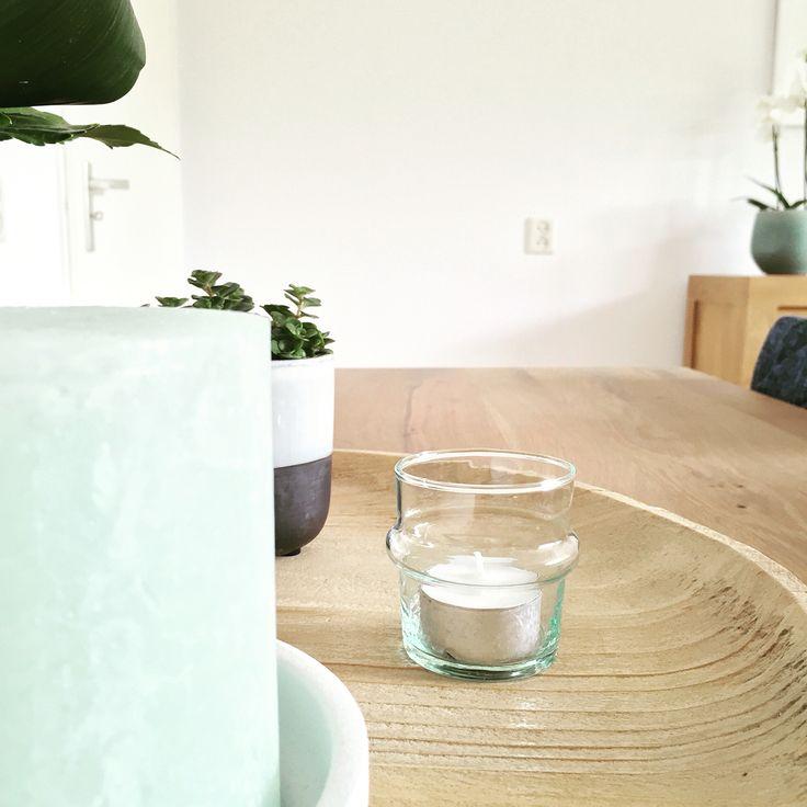 Houten schaal en pastel groen | Peet likes