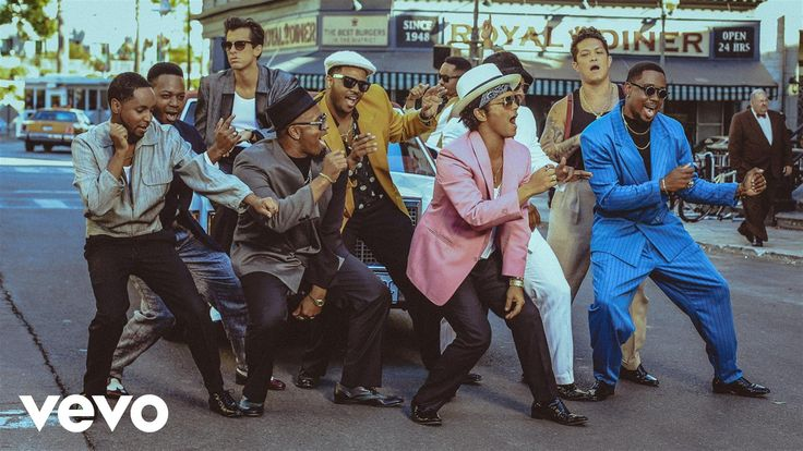 Mark Ronson's official music video for 'Uptown Funk' ft. Bruno Mars. Click to listen to Mark Ronson on Spotify: http://smarturl.it/MarkRonsonSpotify?IQid=Mar...