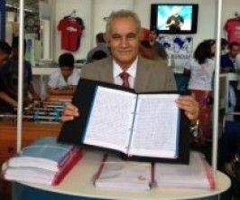 VC VIU? Pastor copia a mão os 66  livros da Bíblia em 10 mêses VEJA + NO Nn www.novasnoticias.net