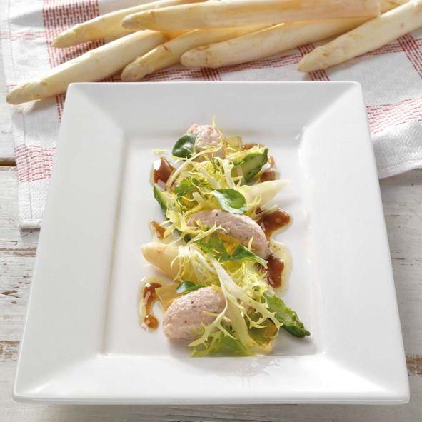 Koude asperges met ham-mouse en gelei