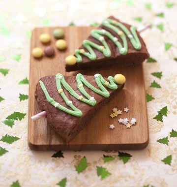 Brownies Sapin de Noël - idée atelier enfants pour les vacances  http://www.odelices.com/recette/brownies-sapin-de-noel-r3326