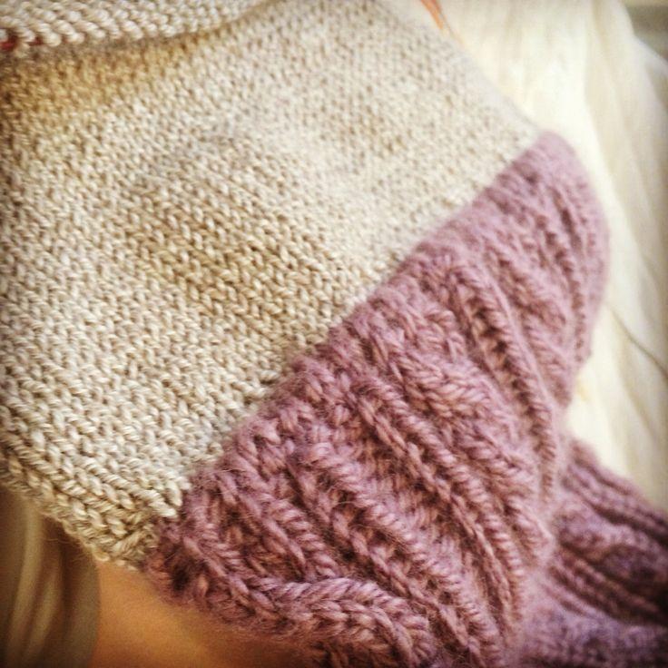 knitting a seamless lining for cableknitted cap #knit #knitstagram #knitlife #cableknit #lining #seamless #cap #yarnporn #alpaca #lilac #instaknit #pro.    http://instagram.com/polaripopin   http://www.polaripop.com