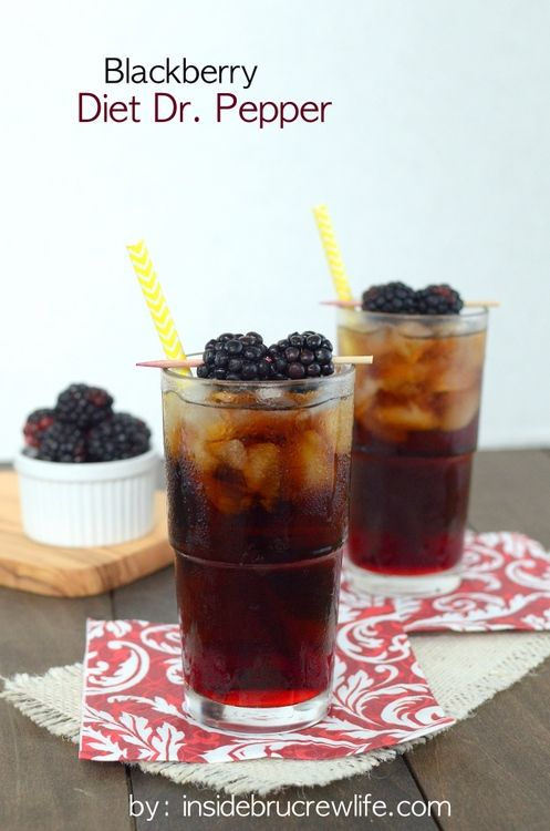 Blackberry Diet Dr. Pepper Recipe ~ for a refreshing summer soda add blackberry syrup to Diet Dr. Pepper!