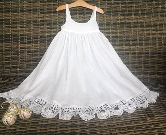 Stunning girls size 4 dress white cotton and crochet lace