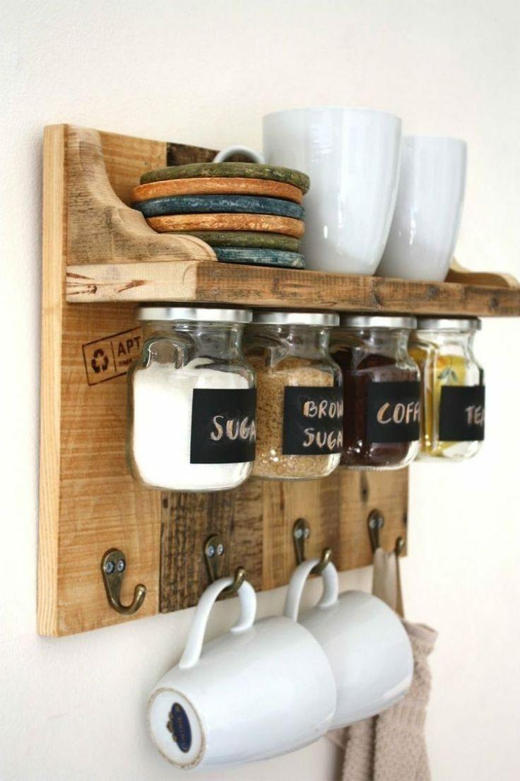 porte-ustensiles artisanal en bois brut et accroche-verres à faire soi-même