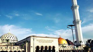 tempat wisata murah di kota Bandung. Lokasi wisatanya strategis serta enak dipandang mata para pengunjungnya. Jika musim libur tiba maka tempat berikut bisa anda jadikan tujuan berlibur bersama teman-teman....