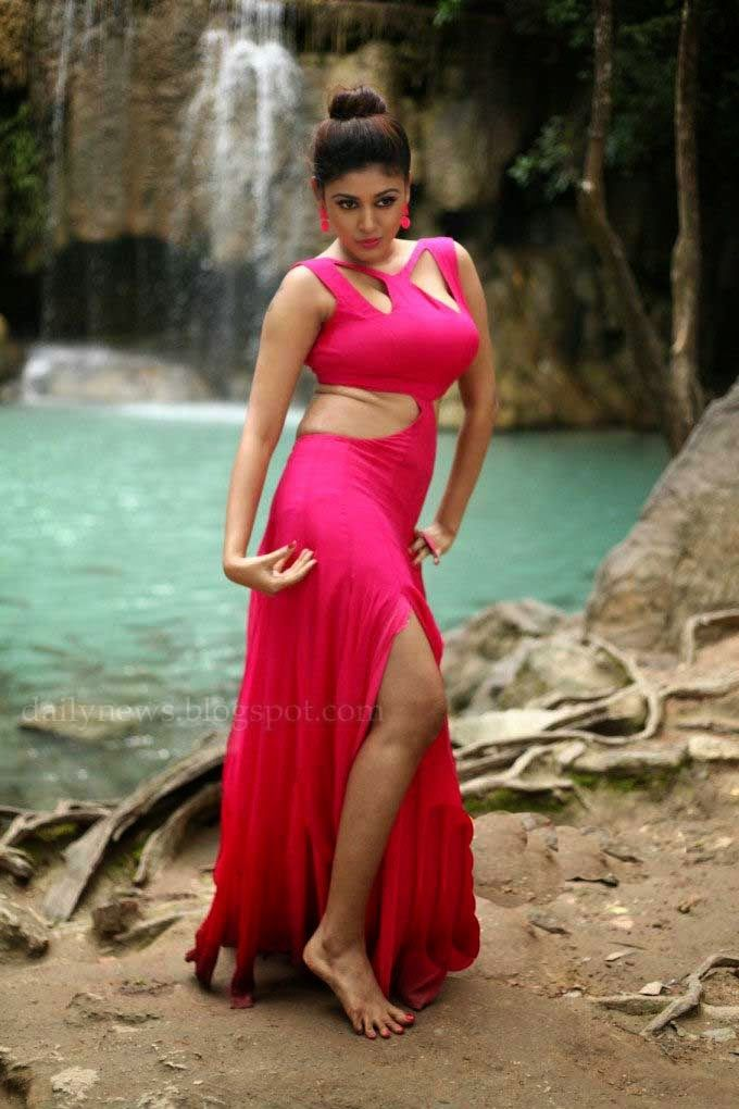 Actress Oviya Movie List