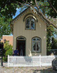 """""""Dundas Ontario, the historic valley town, has much to offer daytrippers in search of the small town Ontario experience. """"  ♥ http://www.ontario-travel-secrets.com/dundas-ontario.html"""