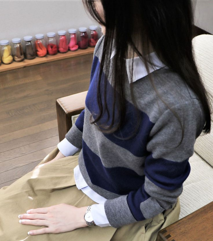 * 今日のコーデは お袖に小さなポケットの付いた カジュアルニットです。 * 午前中内視鏡の検査があり ドキドキしながら 順番を待っていました。 * #今日のコーデ #シンプルコーデ #太ボーダー #ニット #グレーコーデ #秋コーデ #秋カラー #ファッションコーデ #アラフォーママ #おしゃれさんと繋がりたい #スカートコーデ #カジュアルコーデ #40代ファッション #大人カジュアル #着回し #アラフォー #アラフィフ #アラフォーコーデ #アラフォーファッション #アラフィフママ #アラフィフコーデ #40代コーデ #アラフィフファッション #着回しコーデ #コーディネート #大人コーデ #fashion #code #instagood #コットンスカート