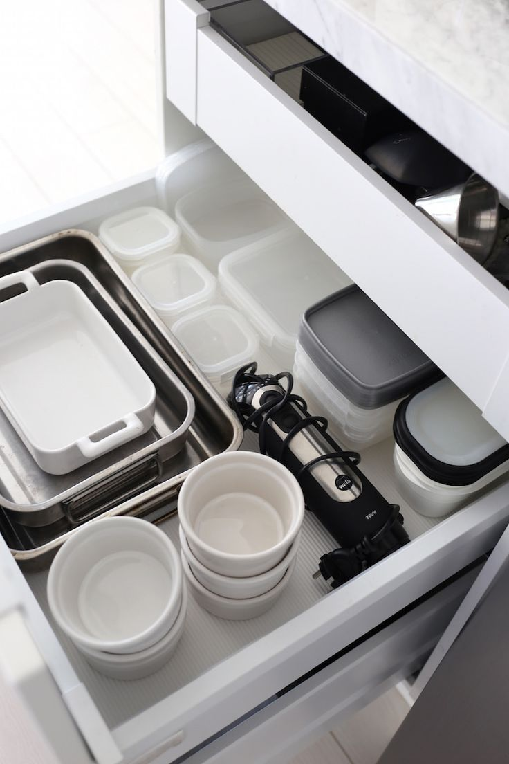 Homevialaura   white kitchen   our collection of tableware   Revol   Emile Henry