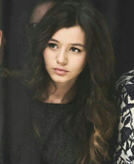 She's my idol. The beautiful Eleanor Jane Calder :3