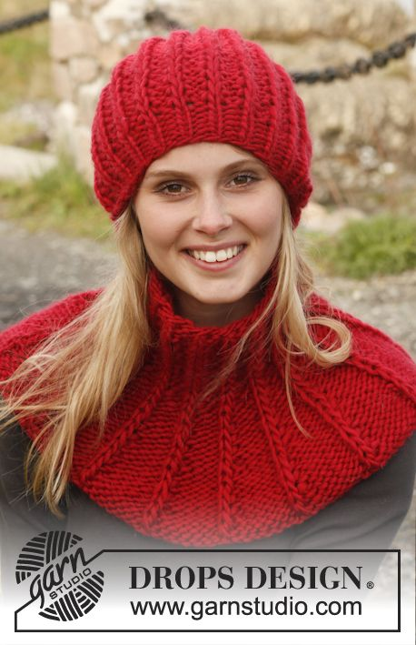 Knitted DROPS hat and neck warmer in Eskimo with false English rib with double sts.