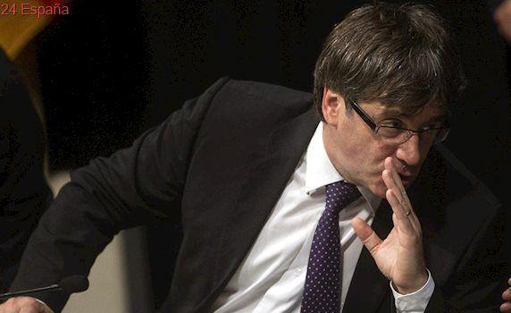 Puigdemont pregunta a Montoro si responderá con su patrimonio por su «amnistía fiscal ilegal»