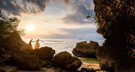 Bali Pre Wedding Shoot - This looks fake...absolutely beautiful, breathtaking, stunning, dreamy