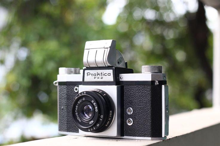 KW (Kamera-Werksttten) Praktica FX2 35mm SLR with M42 Made in Germany