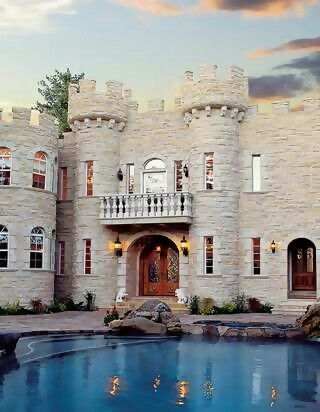 17 best images about houses that look like castles on for Houses that look like castles