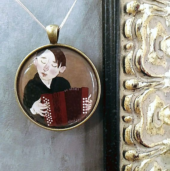 ACCORDIONIST pendant , This elegant pendant is made using an image of original artwork ACCORDIONIST by Alexander Sokht (under permission of the artist). photo by ©Irina Kulikova #art #art_in_life #live_with_art #pendant #gift #accordionist #Alexander_Sokht #XPgallery_Prague #Prag #Praga