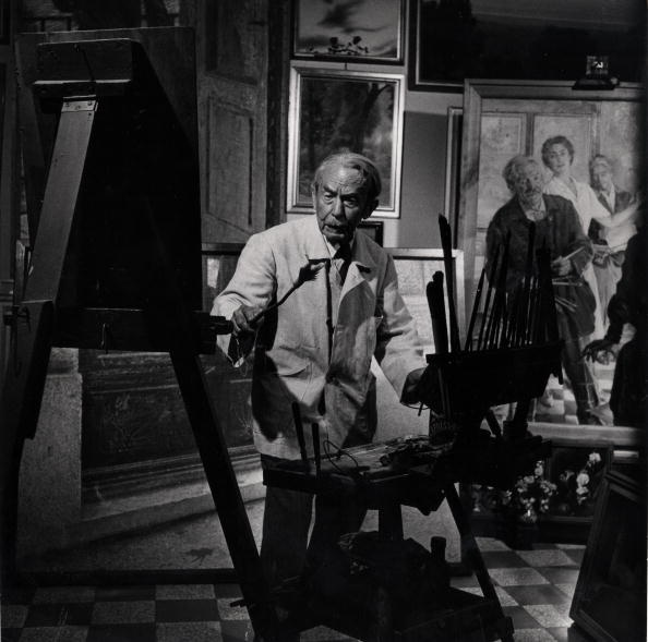 Italian artist Giacomo Balla at work in his studio, ITALY - 1949. Photo by Gjon Mili at Time & Life Pictures/Getty Images)