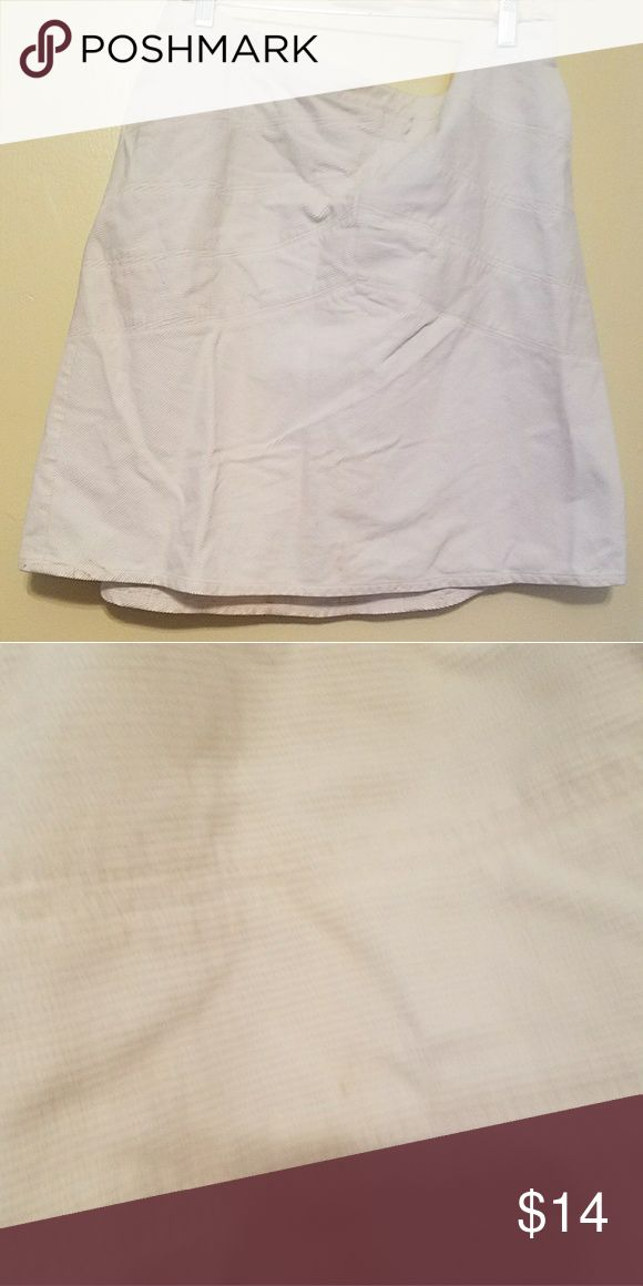 Winter white corduroy skirt (Winter) white corduroy skirt worn 2 times looks great with leggings and/ or long brown boots LOFT Skirts A-Line or Full